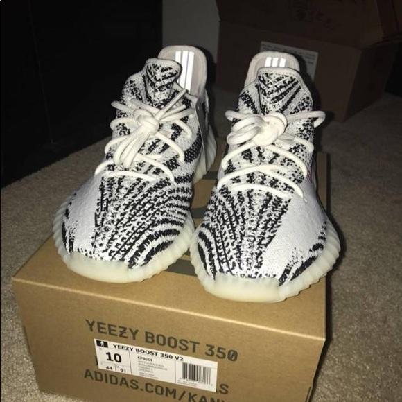 size 40 9b040 b194c Yeezy Boost 350 Zebra Sz 10 NWT